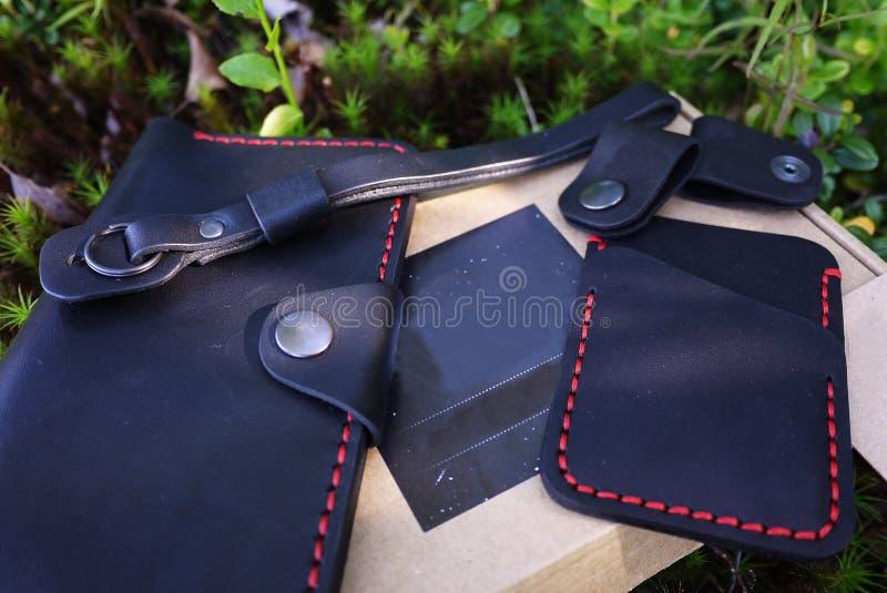 Produits en cuir noirs D?tails et plan rapproch? photo libre de droits