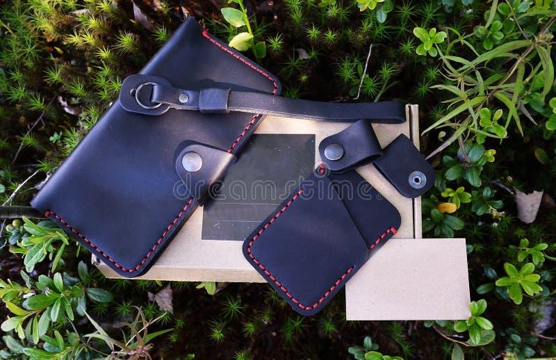 Produits en cuir noirs D?tails et plan rapproch? photos stock