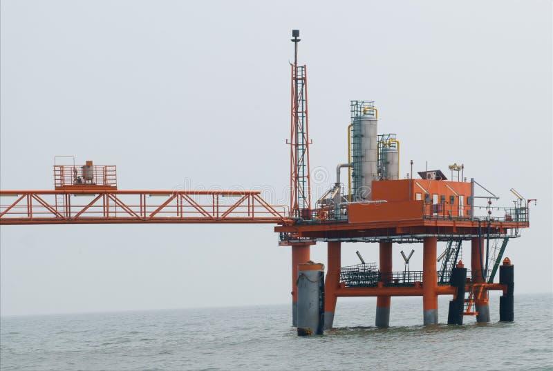 Download Produkcja ropy naftowej zdjęcie stock. Obraz złożonej z środowisko - 28964236