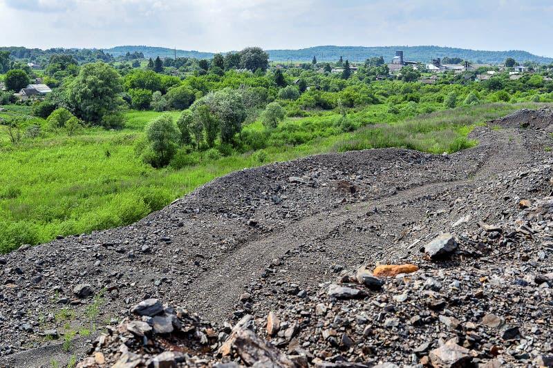 Produkcja teren z drogą i skałami obraz stock