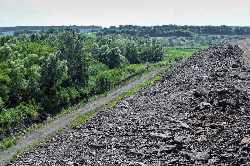 Produkcja teren z drogą i skałami zdjęcie stock