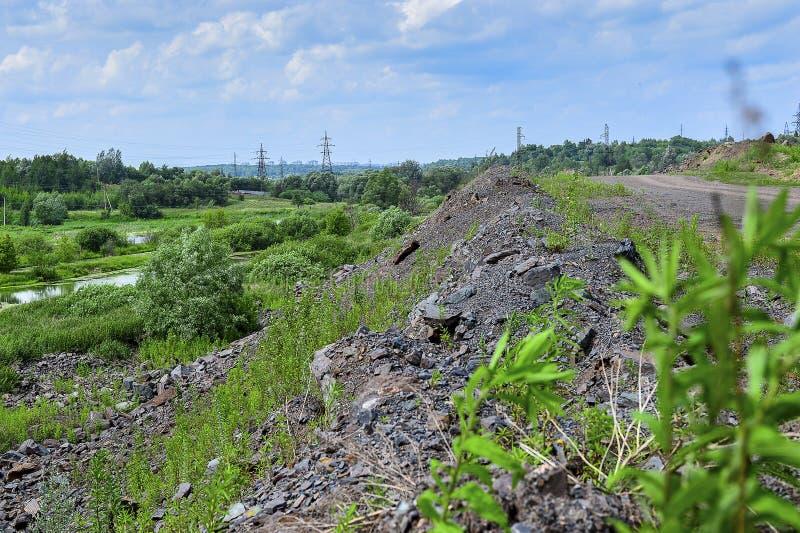 Produkcja teren z drogą i skałami fotografia royalty free