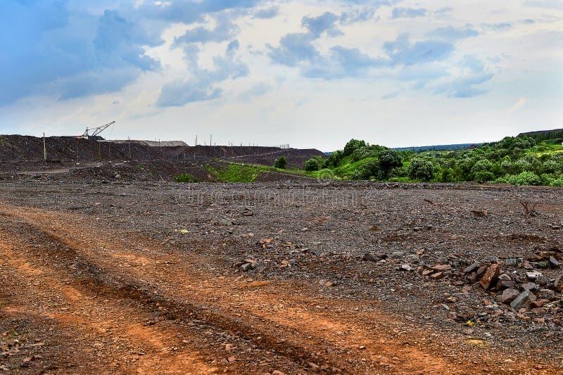 Produkcja teren z drogą i skałami obraz royalty free