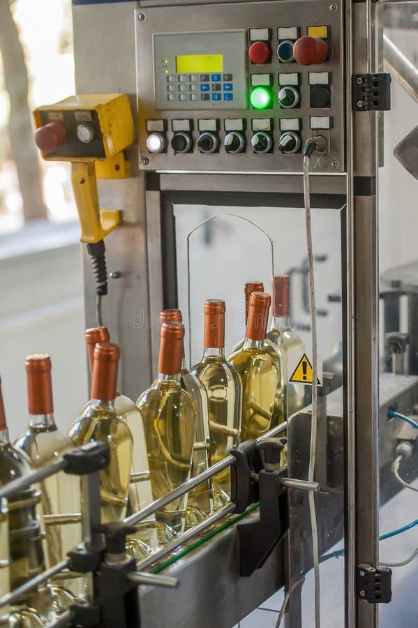Produkcja wino butelki zdjęcia royalty free