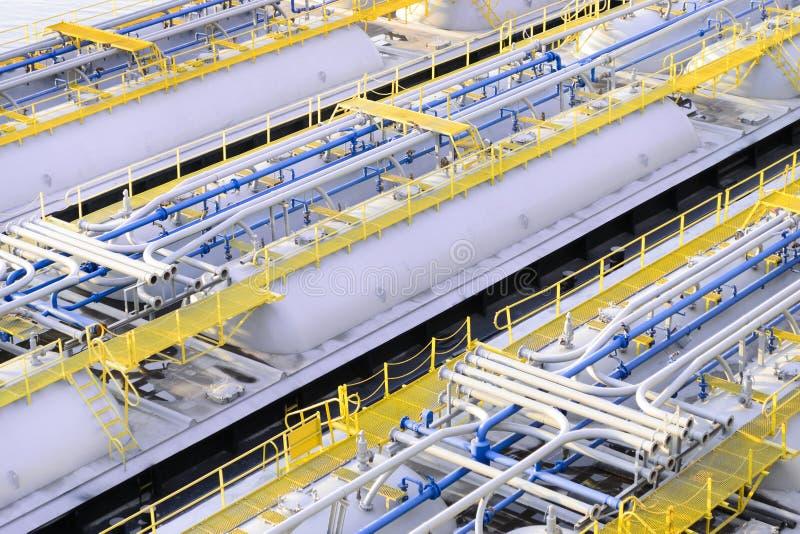 Produktów przerobu ropy naftowej składowi zbiorniki fotografia stock