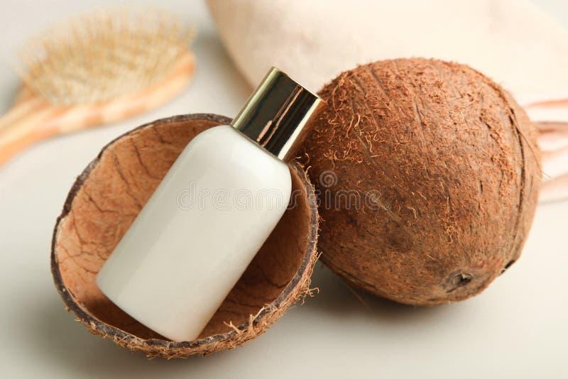 Produkt för kokosnöthåromsorg royaltyfri bild