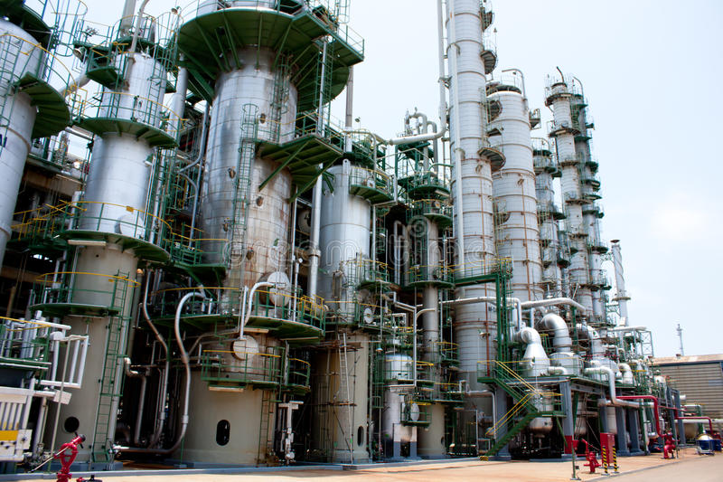 produkt naftowy fabryczny wierza fotografia royalty free