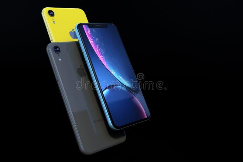Produkt strzelał iPhone XR na czarnym tle zdjęcie stock