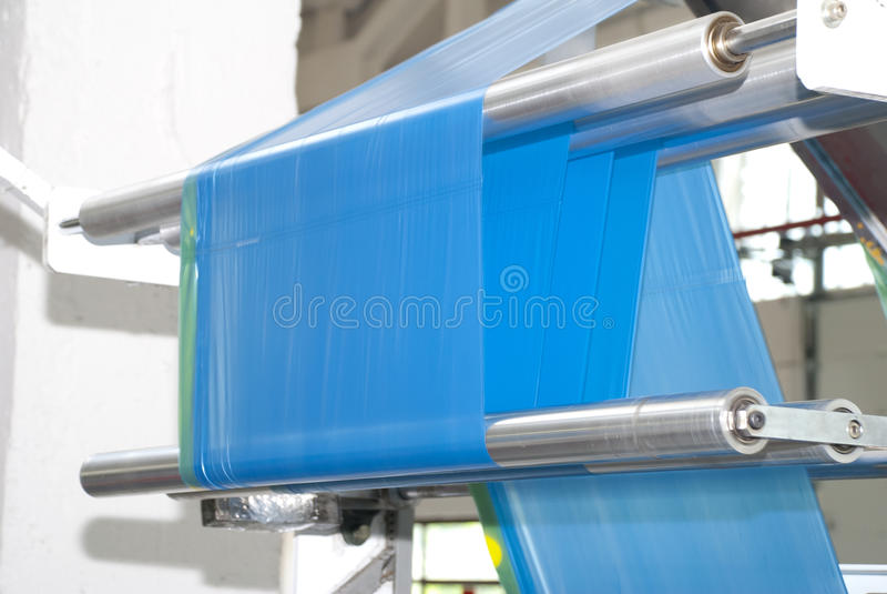 Produktion av plastpåsar arkivfoton