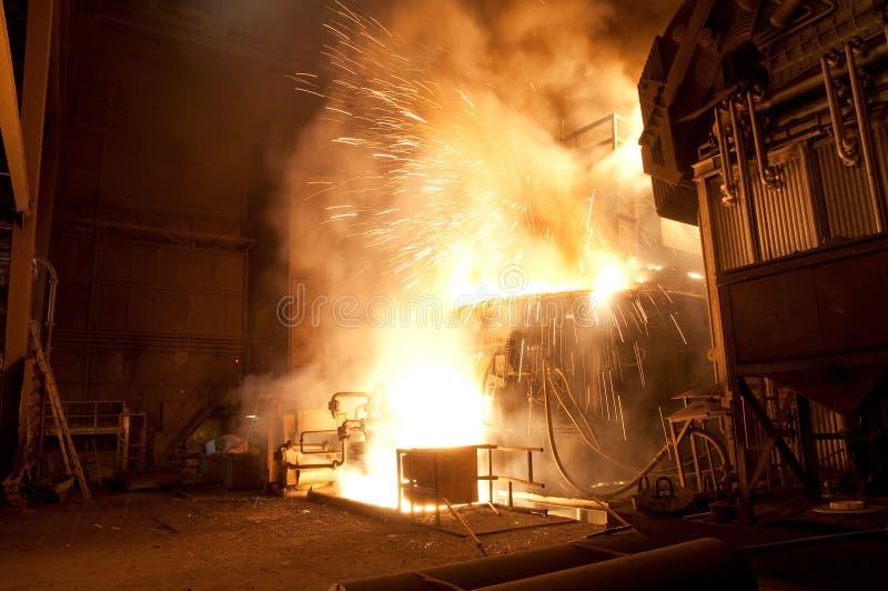Produktion av stål i ett stål maler - produktion i tung indust royaltyfria foton
