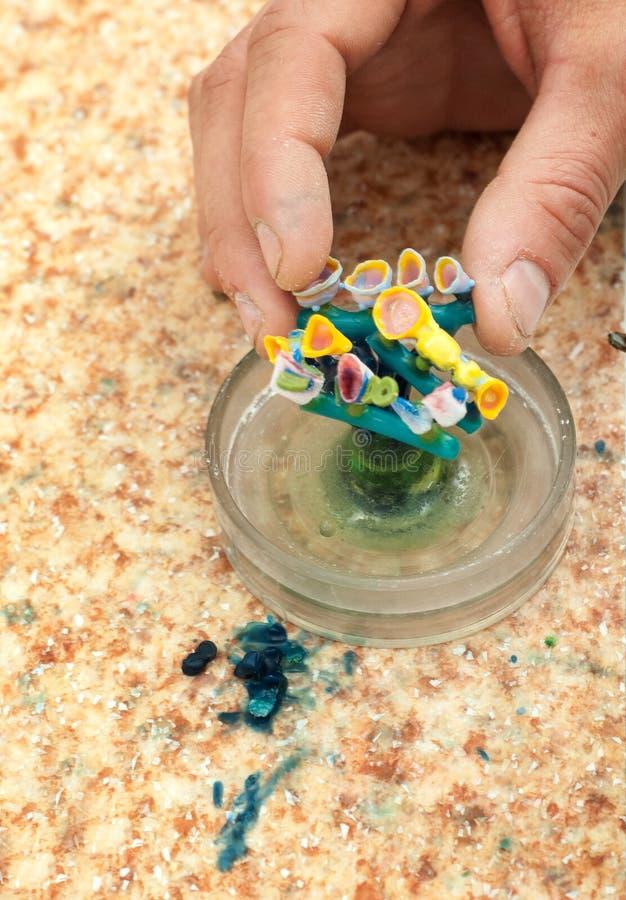 produktion av tand- implantat royaltyfria foton