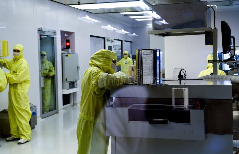 Produktion der elektronischen Bauelemente stockfoto