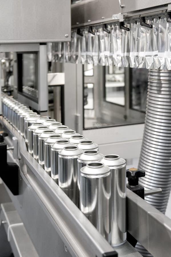 Produktion der Zinnblechdosen lizenzfreies stockbild