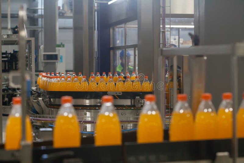 Produktion des Sodawasser-Ausrüstungsgeschäftes lizenzfreies stockfoto