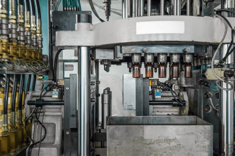 Produktion von HAUSTIER-Vorformlingen lizenzfreies stockfoto