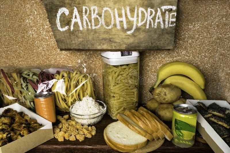 Produktrich av komplexa kolhydrater Foods som är högst i kolhydrater Sunt banta äta begrepp Snabba och långsamma kolhydrater royaltyfri bild