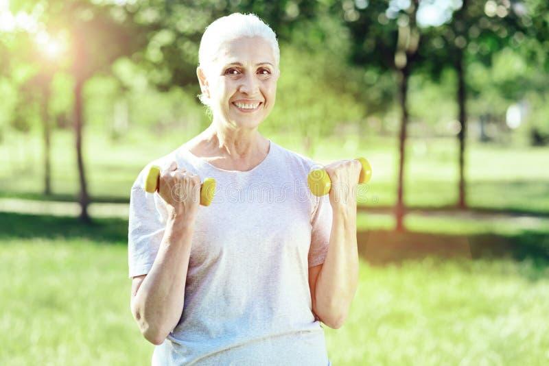 Produktywny dzień aktywny entuzjastyczny emeryt zdjęcie royalty free