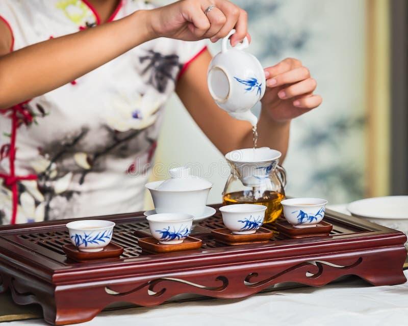 Produrre tè cinese fotografia stock libera da diritti