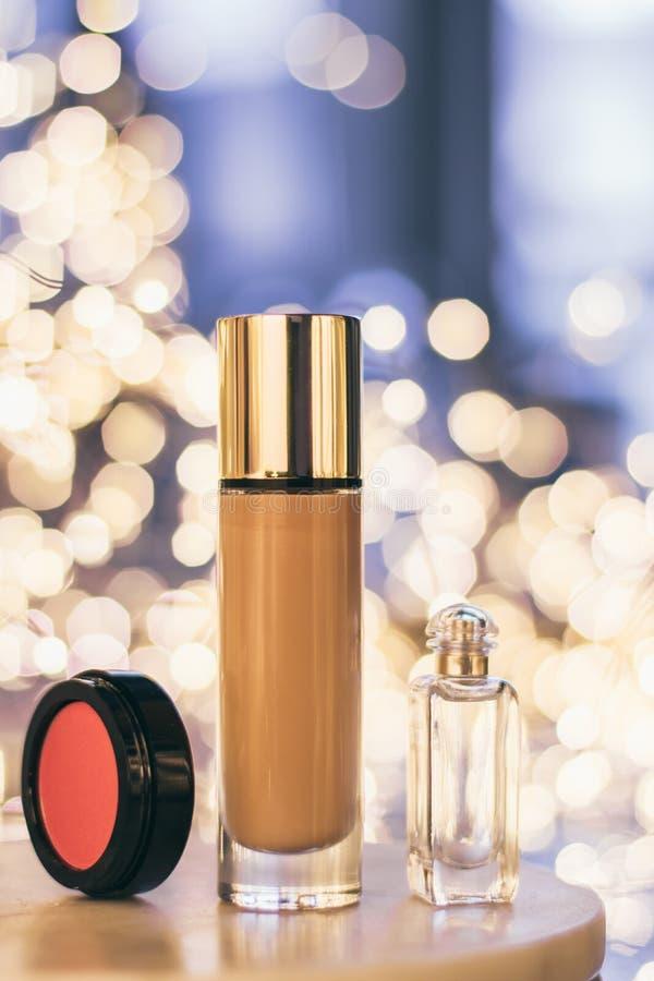 produtos de composição luxuosos, grupo cosmético - conceito denominado composição da beleza fotos de stock