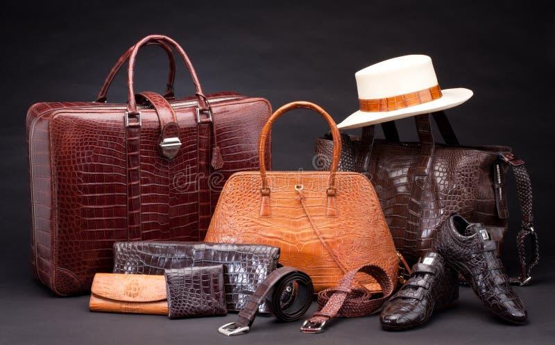 Produtos de couro da forma do crocodilo foto de stock