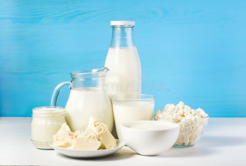 Produtos lácteos saudáveis imagem de stock