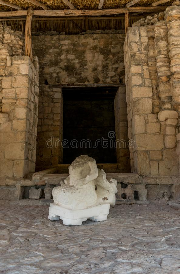 Produtos manufaturados, guerreiros, templos, e ruínas maias de Ek Balam México fotografia de stock royalty free