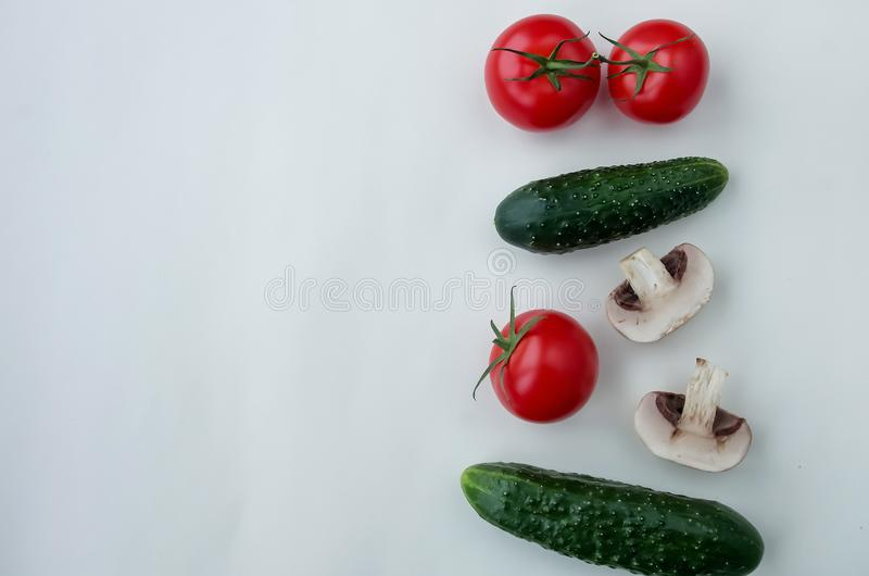 Produtos naturais do fundo: vegetais, cogumelos e erva fotos de stock royalty free