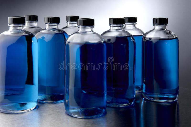Produtos químicos azuis foto de stock royalty free