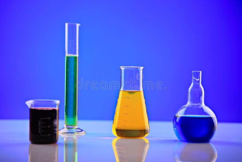 Produtos químicos do laboratório foto de stock royalty free