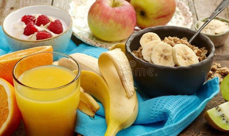 Produtos saudáveis do café da manhã imagens de stock royalty free