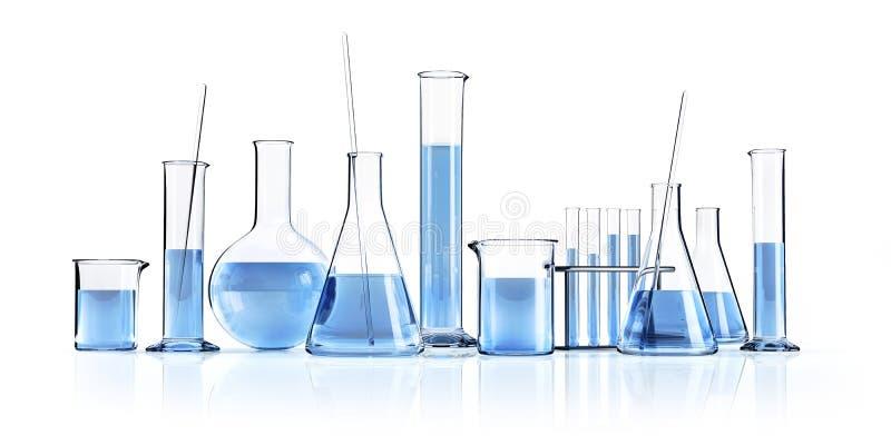 Produtos vidreiros de laboratório diferentes com líquidos azuis ilustração stock