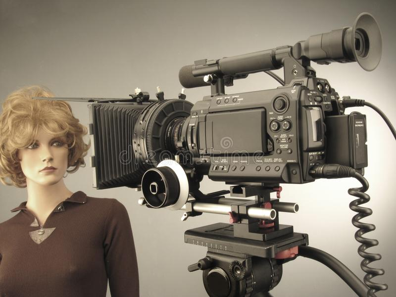 Produzione della fucilazione e del video di film nell'insieme dello studio di cinematografia fotografia stock libera da diritti