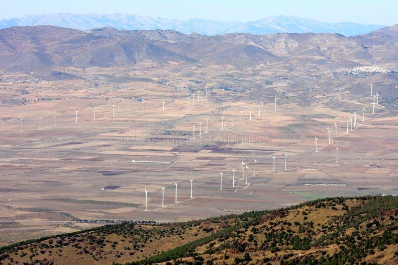 Produzione di energia dai mulini a vento in Andalusia, Spagna immagini stock libere da diritti