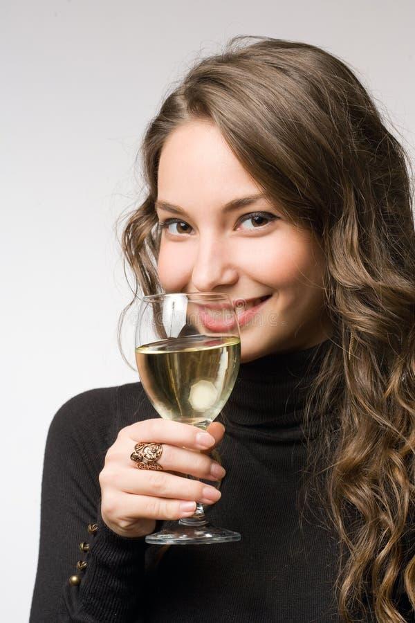 Proevende grote wijn. royalty-vrije stock afbeeldingen