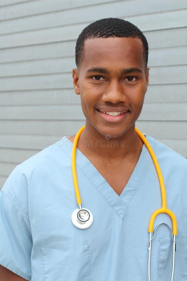 Profesional negro afroamericano de la atención sanitaria foto de archivo