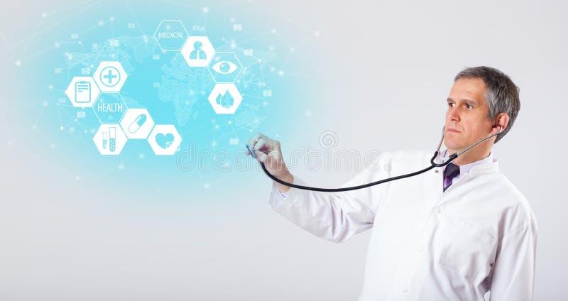 Profesjonalista lekarka z medycznym poj?ciem obraz royalty free