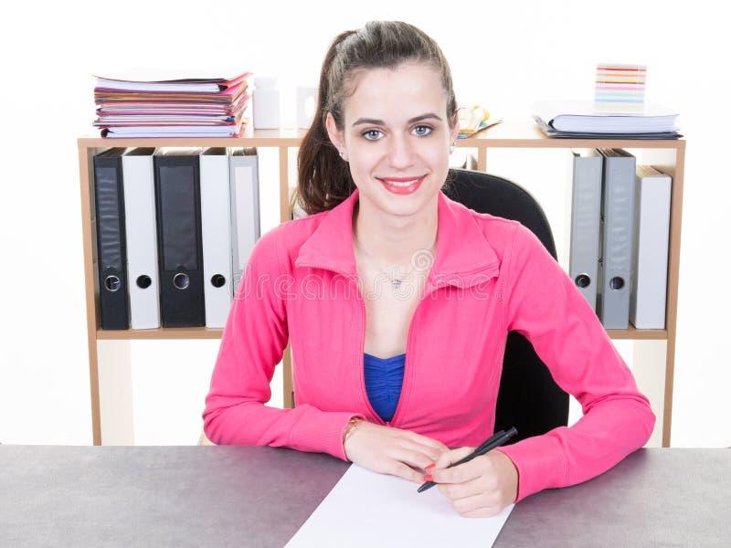 profesor de la aptitud del coche de la muchacha en la oficina en un club de deportes fotos de archivo