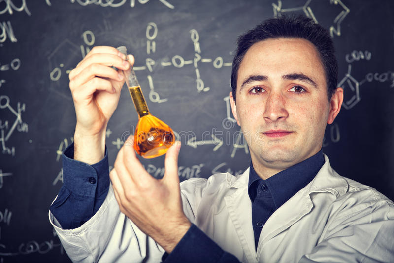 Profesor de la química imagen de archivo libre de regalías