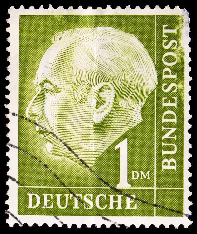 profesor El Dr. Theodor Heuss (1884-1963), 1r presidente alemán, serie federal de presidente Theodor Heuss, circa 1954 fotos de archivo