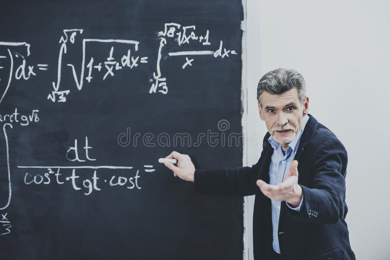 Profesor en cuestión Asking About foto de archivo