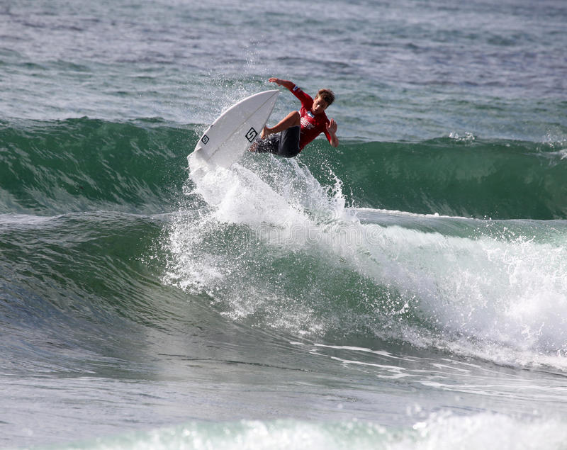 Professional Surfer - Jesse Horner - Merewether Australia. MEREWETHER AUSTRALIA - FEBRUARY 17: Jesse Horner from Australia surfing in the Burton Toyota Pro stock images
