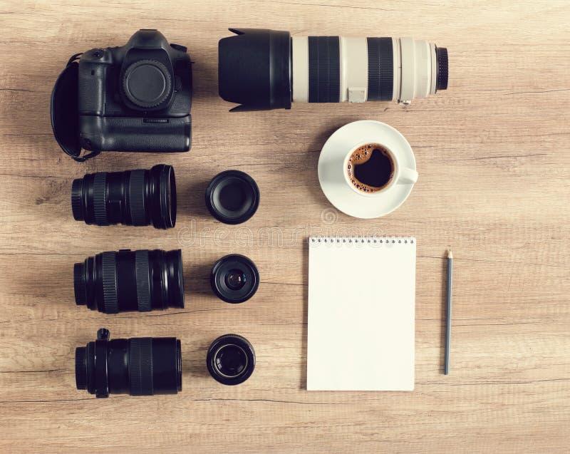 Professioneel fotograafidee met toebehoren royalty-vrije stock afbeeldingen