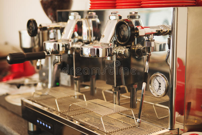 Professionel-Kaffeemaschine lizenzfreies stockfoto