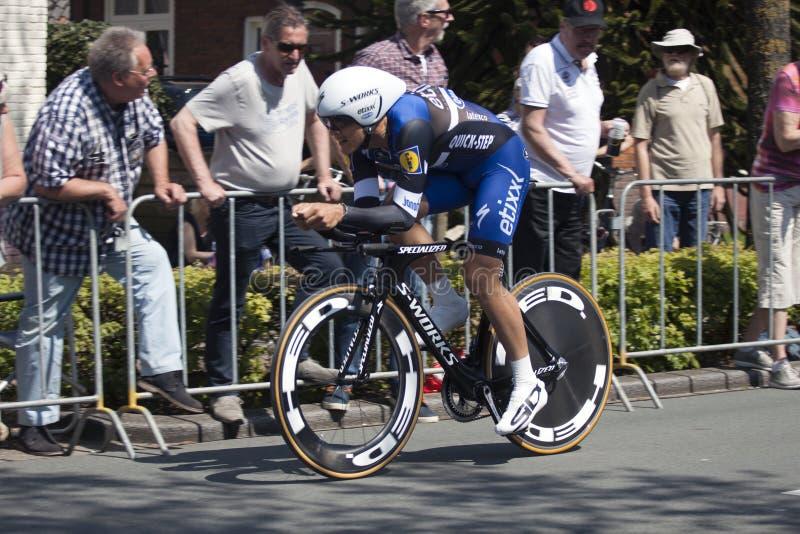 Professionele fietser tijdens de proloog van de Reis van d'Italia van de Girogiro stock foto's