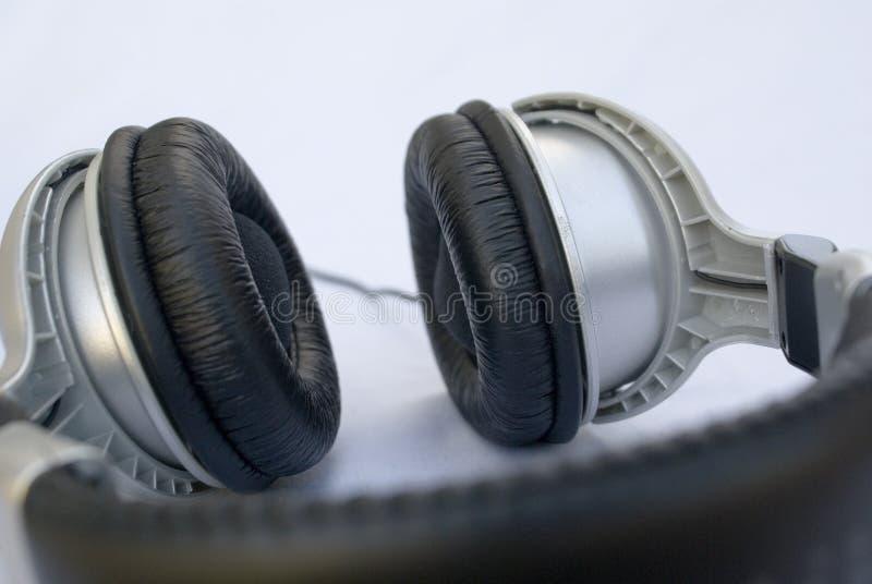 Professionele hoofdtelefoons of oortelefoons stock afbeelding