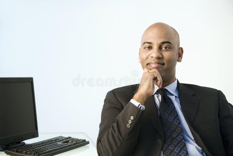 Professionele mens in bureau. royalty-vrije stock afbeelding