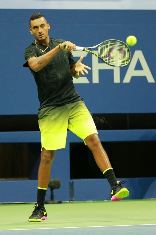 Professionele tennisspeler Nick Kyrgios van Australië in actie tijdens zijn ronde gelijke 3 bij US Open 2016 royalty-vrije stock fotografie