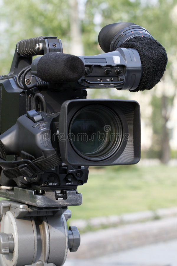 Professionele videocamera. stock afbeelding