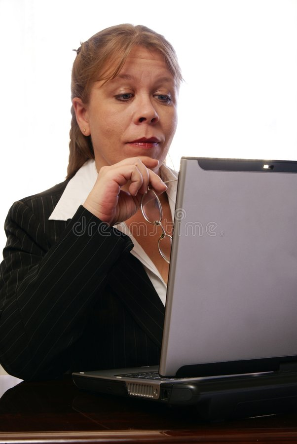 Professionele Vrouw die Wenkbrauwen opheft stock afbeelding