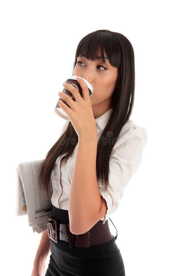 Professionele vrouw het drinken koffie royalty-vrije stock foto's